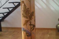 Décor peint et patine sur pilier